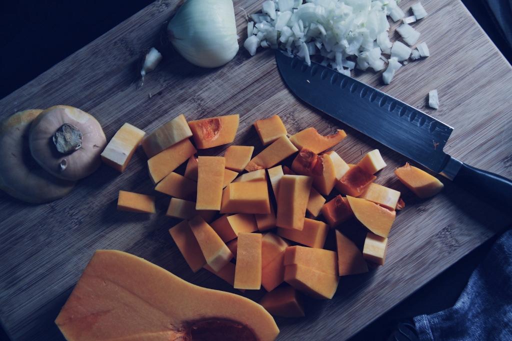 butternut squash, soup, vegetarian, winter, comfort food, thyme, seasonal, vegetables, slow cooker